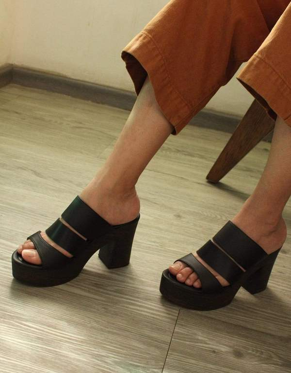 Carmona Cactus Sandals